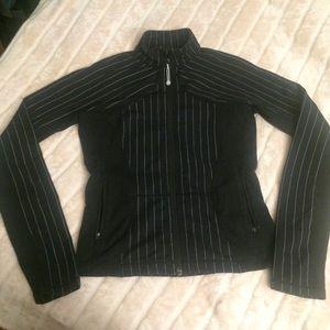 Lululemon jacket 🍋
